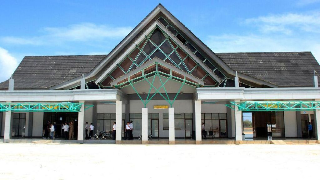 Bandara Letung di Kepulauan Anambas Menanti Listrik PLN