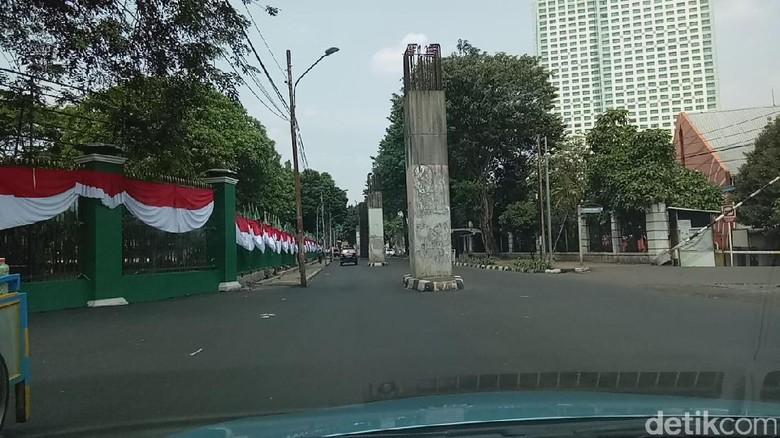 Foto: Begini Rute Nyasar Habiburokhman di Simpang Susun Semanggi