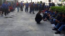 Pekerja JICT yang Mogok, Dipotong Gaji Hingga Tunda Naik Jabatan
