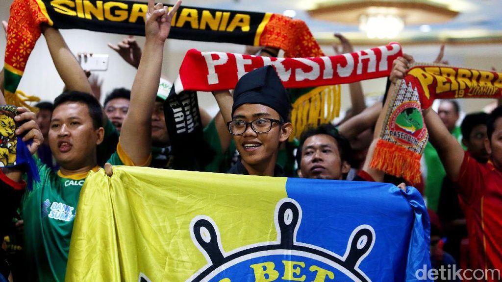 Islah Suporter di Senayan Tanpa Bonek, Bobotoh, dan The Jakmania