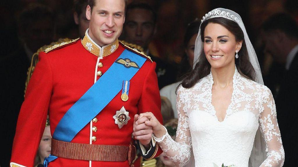 Foto: 10 Gaun Pengantin Putri Kerajaan Dunia, Indonesia Paling Beda