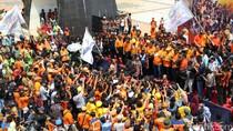 Wali Kota dan Pasukan Oranye Makassar Arak Piala Adipura