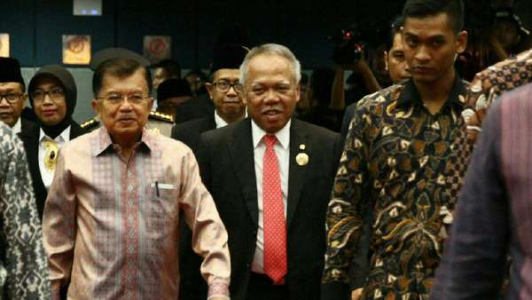 Wapres JK Soal Isu Reshuffle: Belum Bocor, Tanya Presiden Jokowi