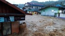 Diguyur Hujan Sejak Dini Hari, Kota Jayapura Kebanjiran