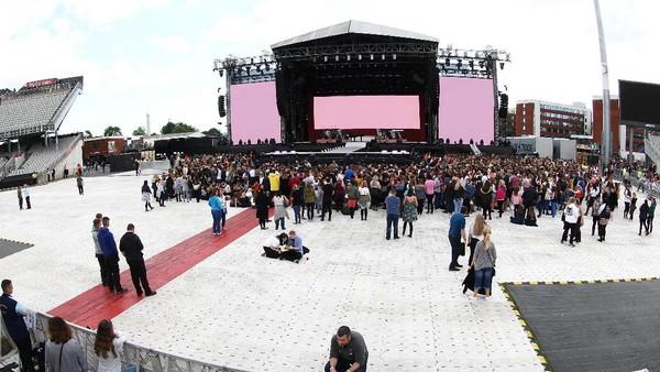 Sepinya Penonton Harusnya Tak Sampai Batalkan Konser