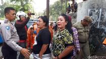 Tertibkan Trotoar Jalan Jatibaru Raya, Satpol PP Diteriaki Maling