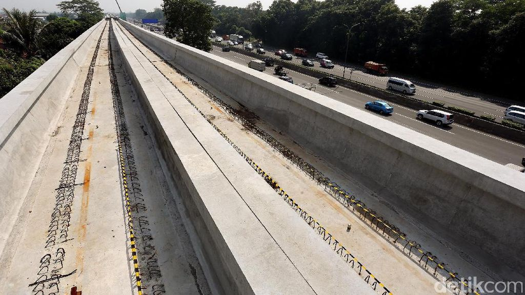 Luhut: Investor AS Minat Biayai Proyek LRT Jabodebek