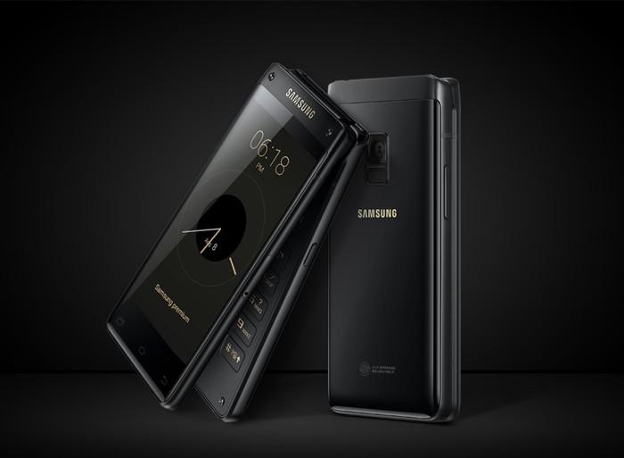Ponsel bernama Leader 8 itu mengusung layar 4,2 inch HD Amoled di bagian dalam dan juga di bagian depan ketika ponsel tertutup. Foto: Samsung