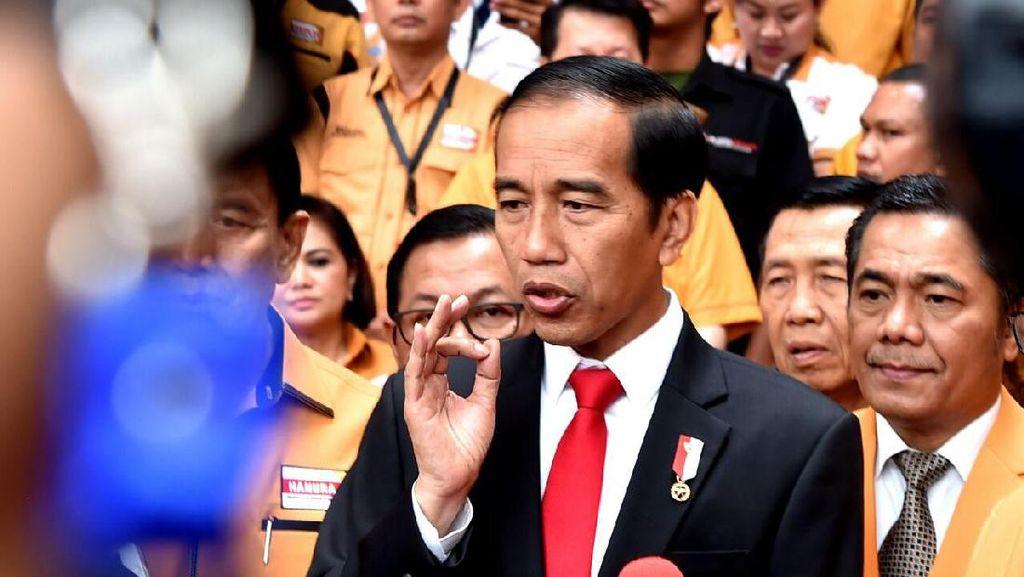 Jokowi: Hati-hati Buat Status di Media Sosial
