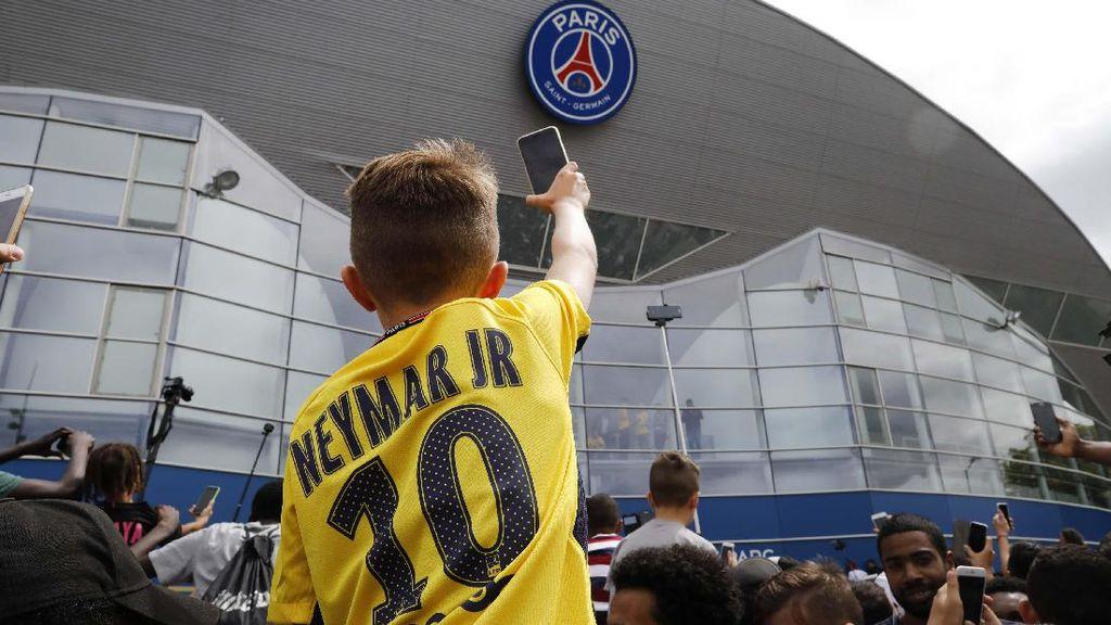 Jersey Neymar Laris Manis
