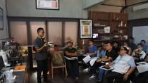 Wah, Peserta Sangat Antusias Belajar Prinsip Roasting Kopi Indonesia