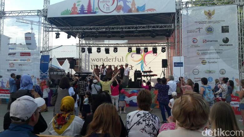 Krakatau Reunion Meriahkan Festival Indonesia ke-2 di Moskow