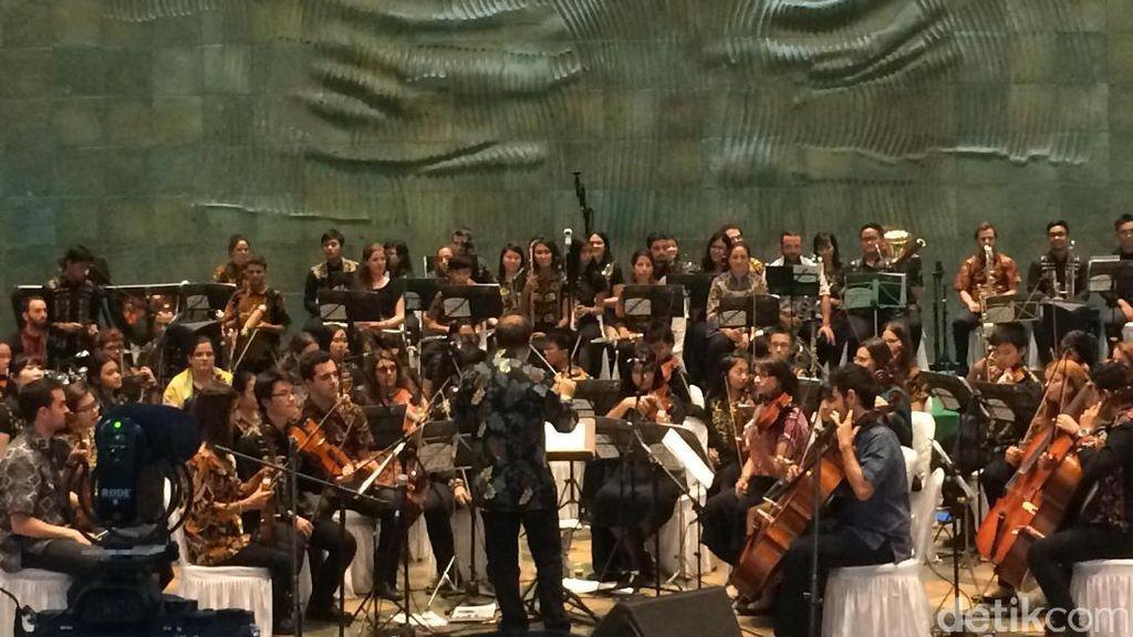 Lagu Sinanggar Tulo Diiringi Orkestra Spanyol Pukau Penonton