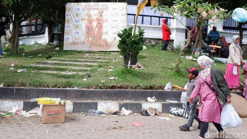 Sedih, Kemeriahan Dieng Culture Festival Menyisakan Tumpukan Sampah