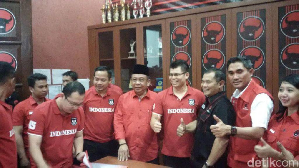 Datangi Kantor PDIP Jateng, Chris John Ambil Formulir Cawagub