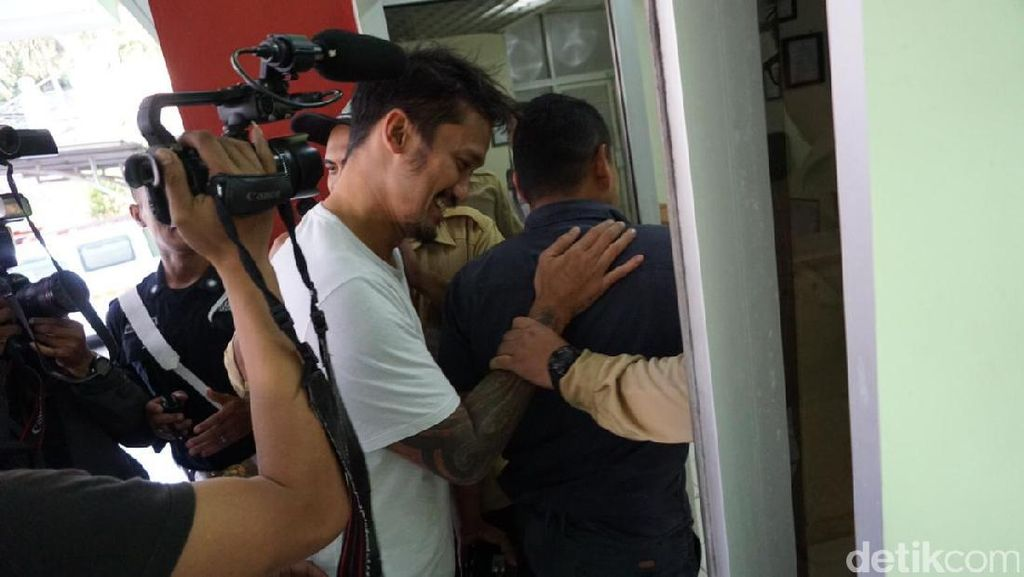 Tora Sudiro Gunakan Dumolid karena Sakit, Ini Penjelasan RSKO