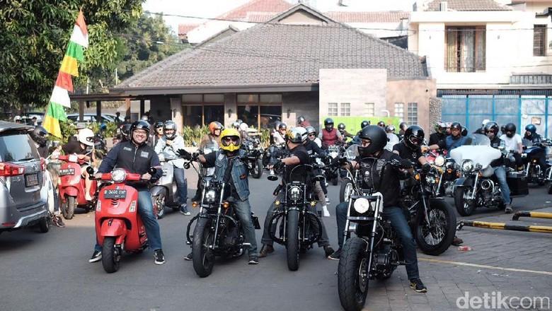 Artis dan Biker Harley Galang Dukungan untuk Tora Sudiro