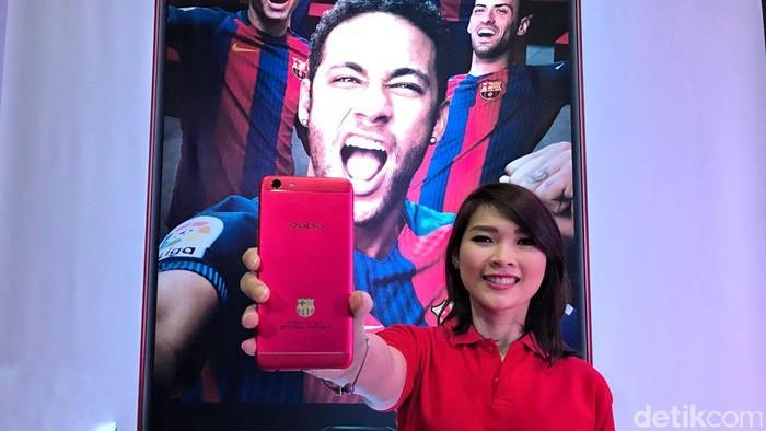 Ponsel ini bernama F3 FCB Limited Edition. (Foto: detikINET/Adi Fida Rahman)