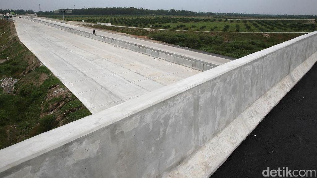 Jokowi Hubungkan Lampung-Aceh Lewat Tol 2.818 Km
