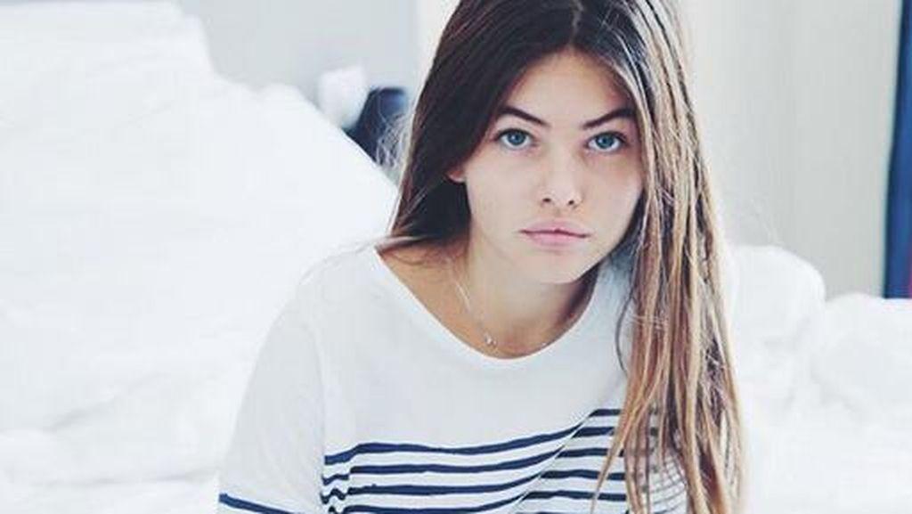 Gadis Tercantik Sedunia Eksis di London Fashion Week