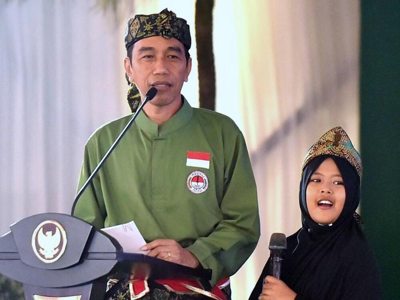 Khofifah Siap Pamit ke Pilgub Jatim, Jokowi: Belum Ketemu Saya
