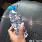 Hati-hati Menyimpan Botol Air Kemasan di Mobil, Bisa Terbakar Lho