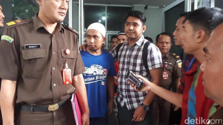 Kejati Riau Tahan 3 Pegawai Honorer PU Tersangka Pungli