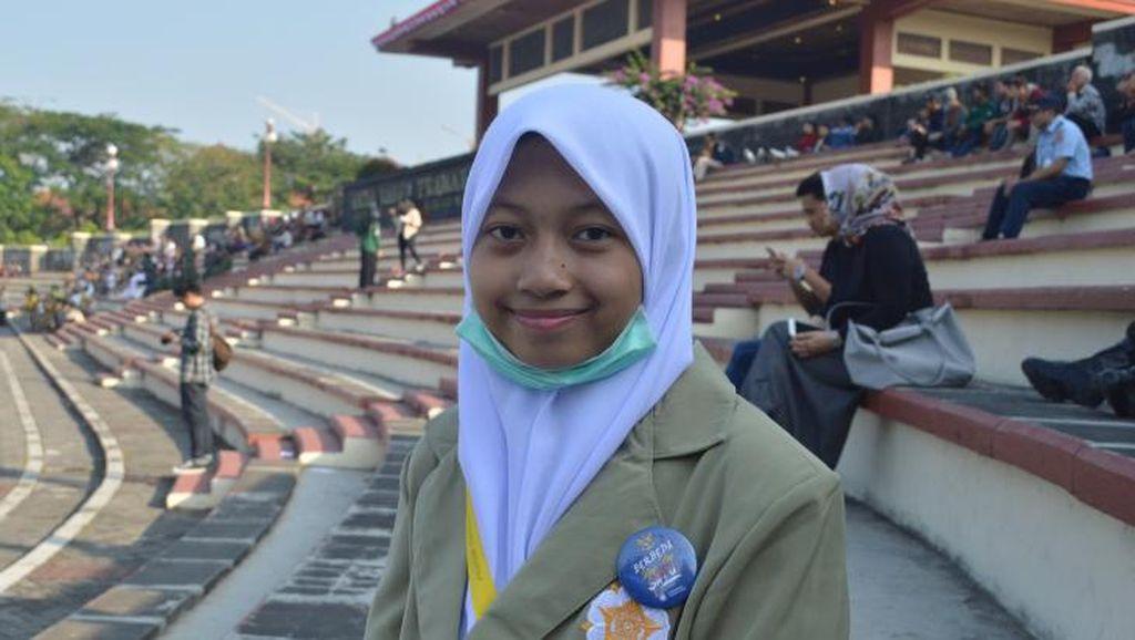 Hijabers 15 Tahun Ini Jadi Mahasiswi Termuda di Universitas Gajah Mada