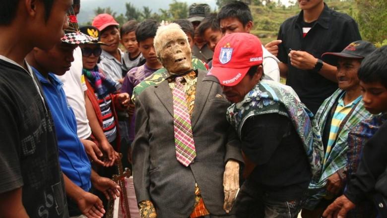 Manene, ritual menghormati mayat di Toraja (Yusuf Ahmad/Reuters)