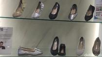 Sepatu Favorit Selebriti Hollywood, Yosi Samra Kini Hadir di Indonesia