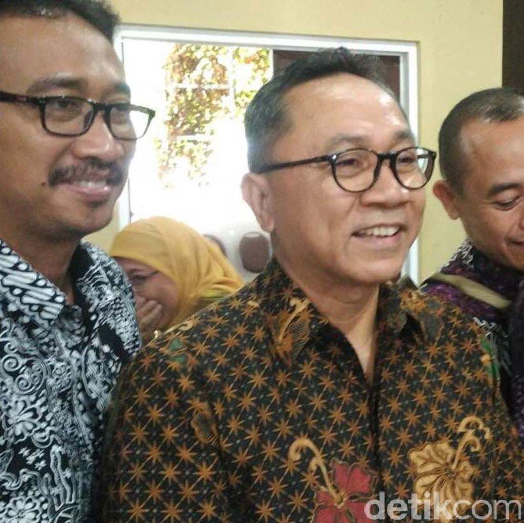 Ridwan Kamil dengan Kader PAN, Zulkifli Hasan: Suatu Kehormatan