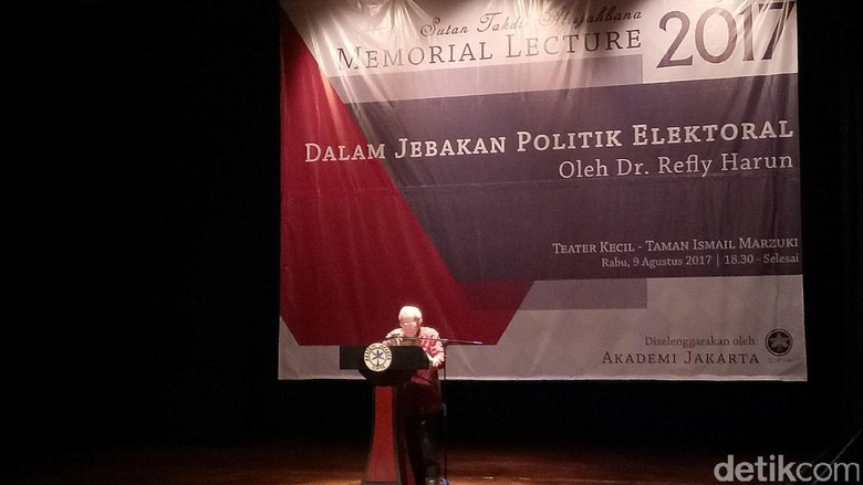Kenang Sutan Takdir, Refly Harun Pidato Jebakan Politik Elektoral