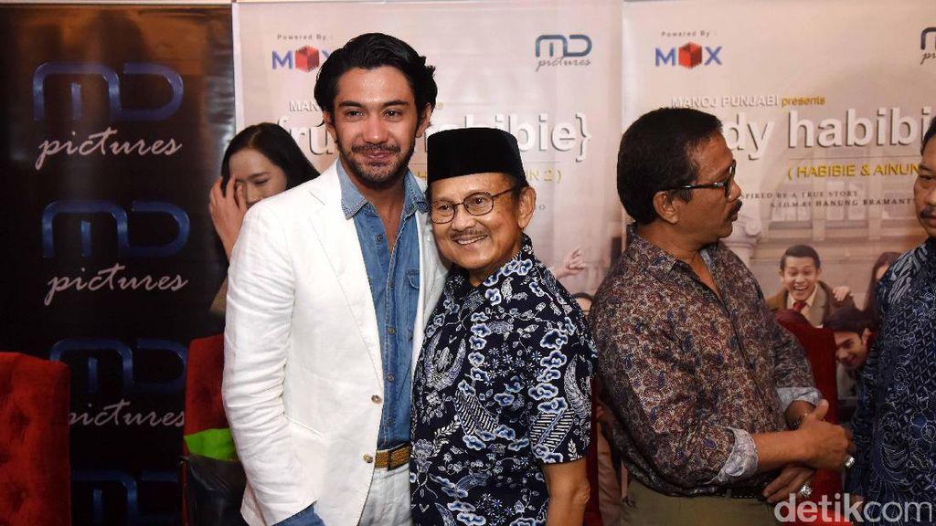 Kemenangan Reza Rahadian di APFF Pembuka Film Indonesia Bersaing di Oscar