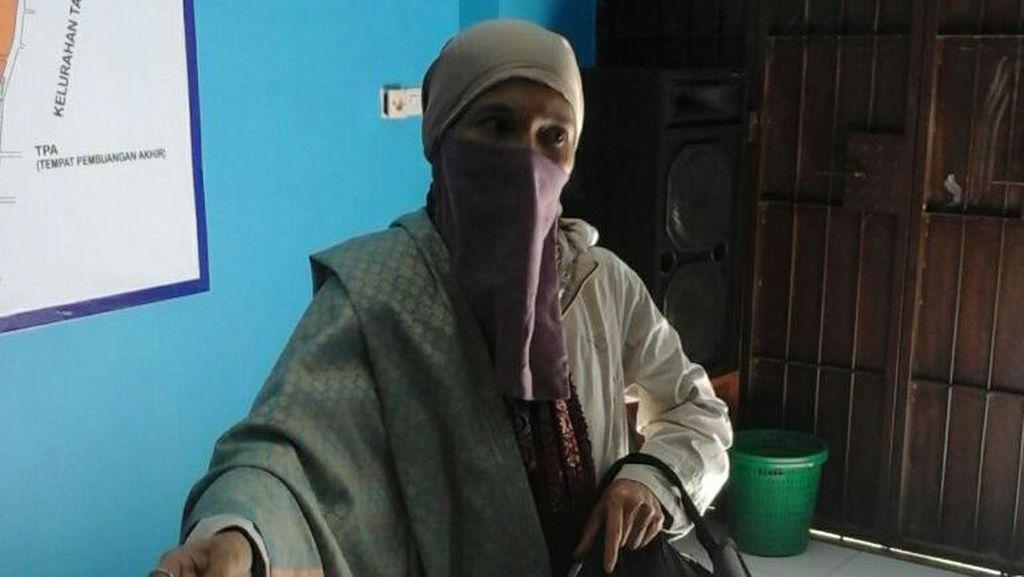 Polisi Bawa Ibu Mengaku Nabi di Makassar ke Rumah Sakit Jiwa