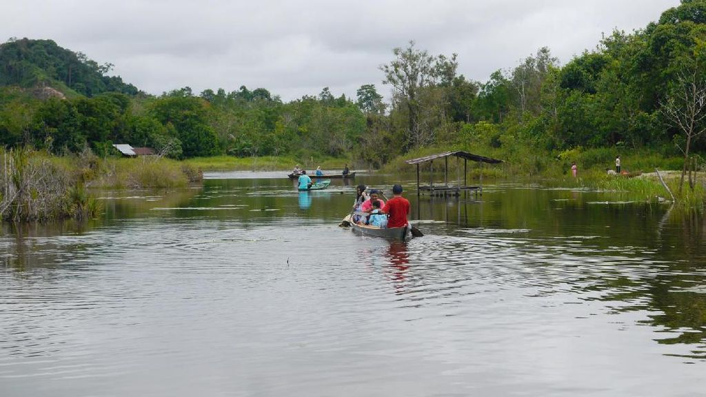 Kisah Danau Peninggalan Pangeran di Kalimantan Barat