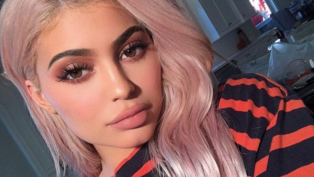 Tyga Klaim Ia Ayah Kandung Janin di Perut Kylie Jenner