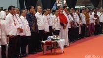 Jokowi Bertemu Relawan, Djarot dan Sejumlah Menteri Hadir