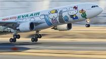 Foto: Kamu yang Suka Hello Kitty Harus Naik Pesawat Ini