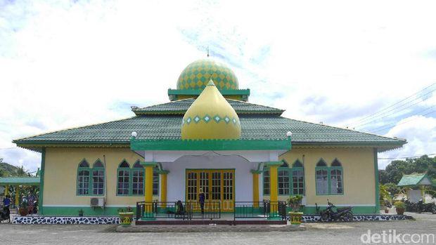 Masjid At Taqwa Sekayam /
