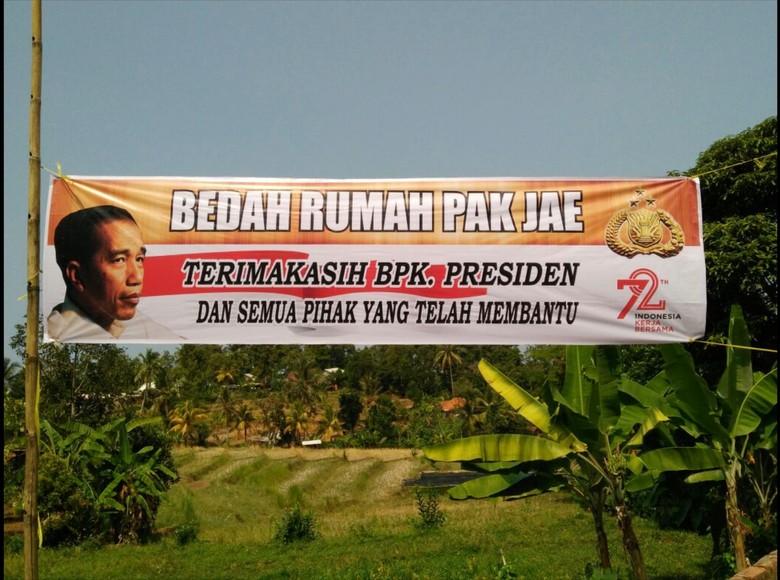 Semangat Warga Bedah Rumah Pak Jae yang Dapat Bantuan Jokowi