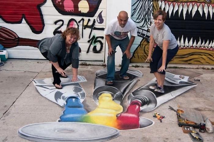 Adalah Jennifer Chaparro seniman lukis 3D jalanan berasal dari San Diego, selama bertahun-tahun ia bekerja sebagai desain grafis. (Foto: Jennifer Chaparro)