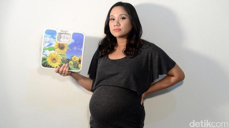 Ilustrasi obesitas pada ibu hamil tingkatkan risiko cacat lahir pada bayi/ Foto: Ari Saputra