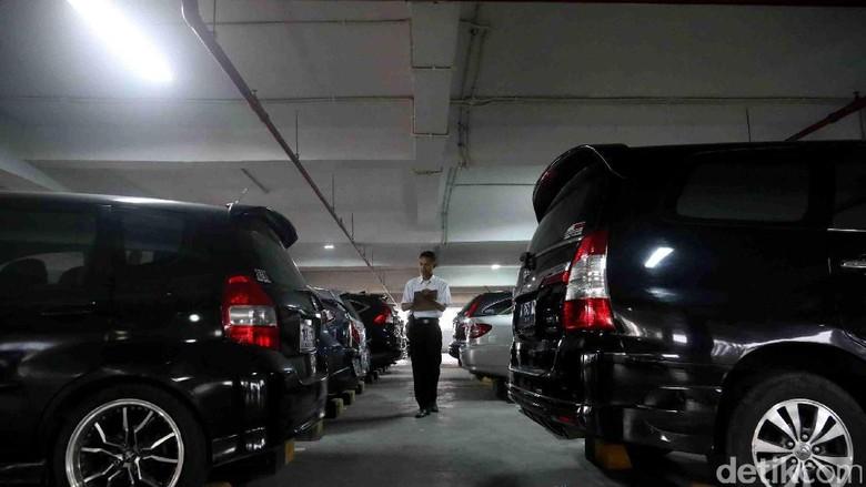 Aturan Beli Mobil Harus Ada Garasi Kalau Bisa Diperluas ke Luar Jakarta