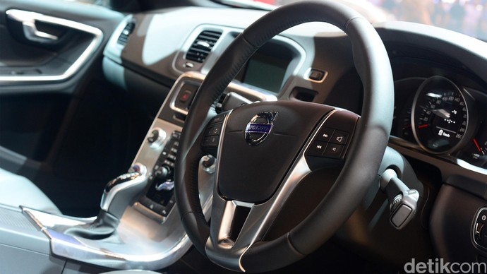 Foto : 4 Mobil Mewah Volvo Goda Pengunjung GIIAS