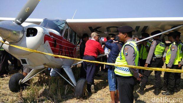 Pesawat Koni yang Mendarat di Ponorogo Dinaikan Trailer ke Jakarta
