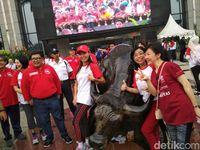 Banteng Wulung Jadi Sasaran Selfie