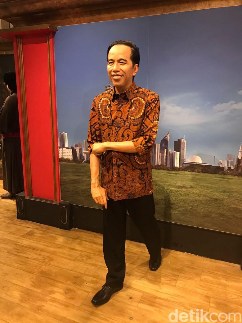 Patung Lilin Jokowi di Hongkong Kini Kenakan Kemeja Batik