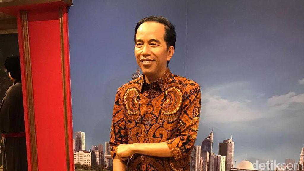 Ganti Baju, Patung Lilin Jokowi Kini Pakai Batik