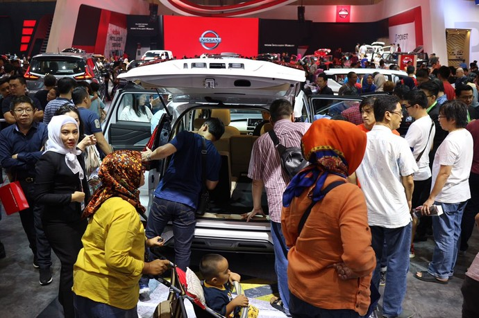 Foto: Pengunjung Buat Mitsubishi Xpander Sulit Bernafas