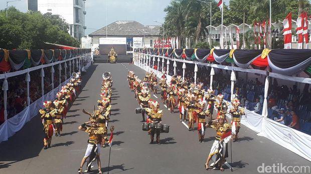 Jokowi: Jember Fashion Carnaval Membanggakan Indonesia